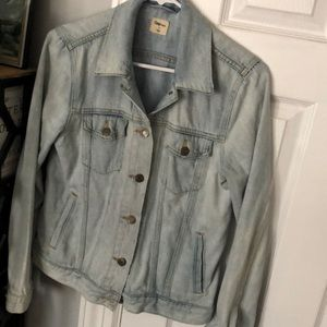 Light wash GAP denim jacket